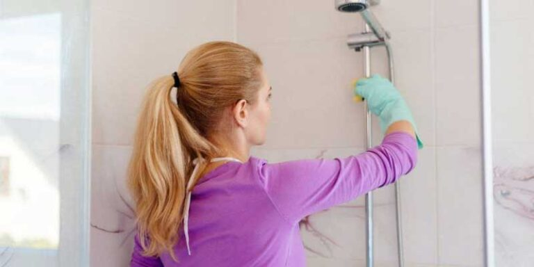 Best Fiberglass Shower Cleaners in 2021 . Complete Buyer Guide